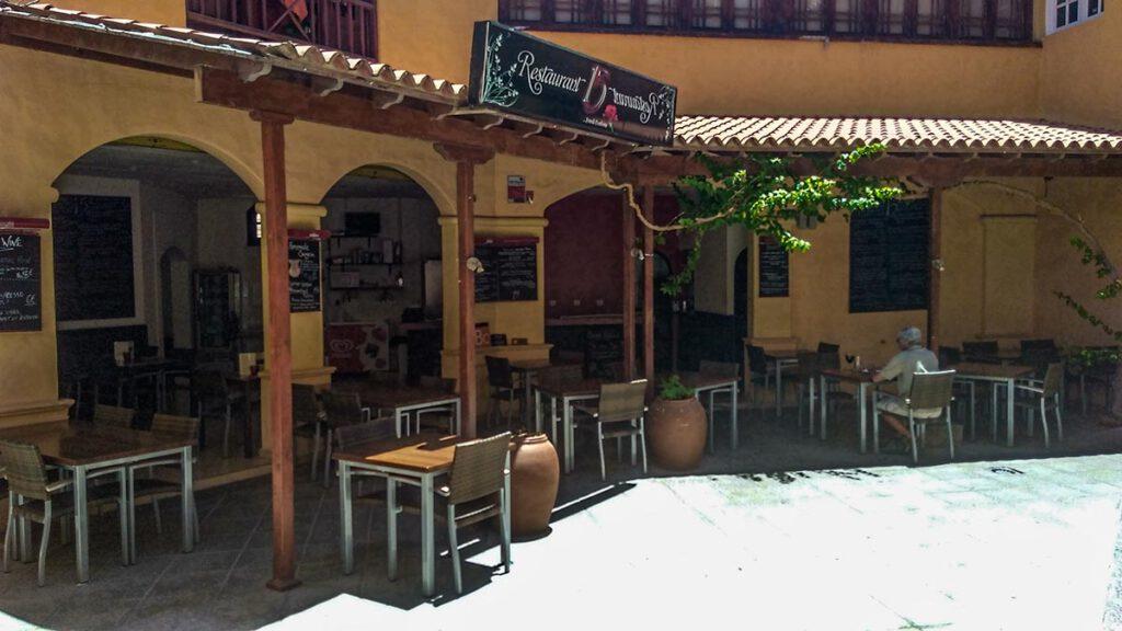 Restaurant15